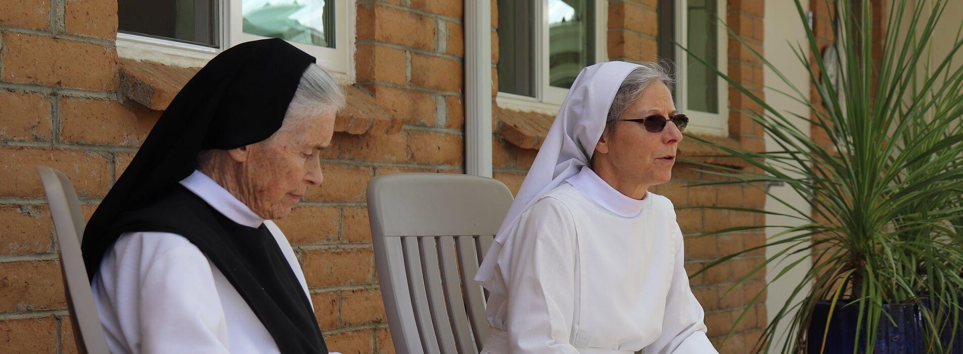 2021 09 26 sisters outside refectory