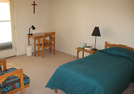 Santa Rita Abbey retreat house bedroom